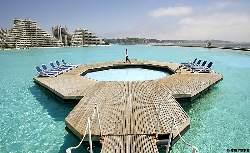 World's largest swimming pool, AMAZING!