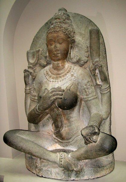 yogini-statue