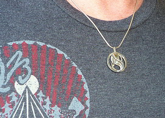 Wearing the Entangled Pendant