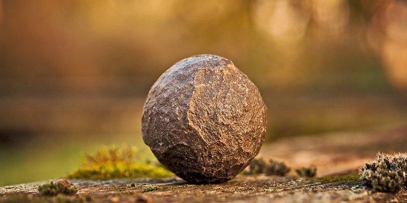 shaman-stone-moqui-ball